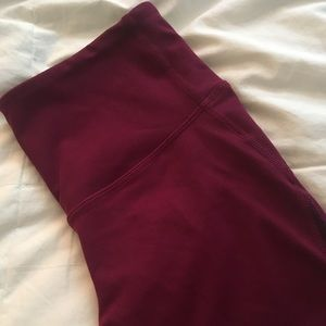 Old Navy Active High-Waisted Mesh Crop Legging